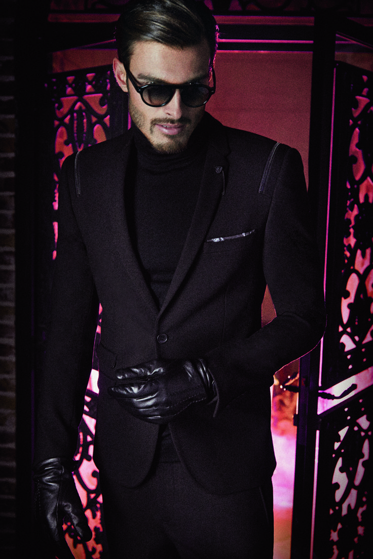 Outfit for men - IZAC http://www.izac.fr/fr/pret-a-porter-homme/black-edition.html/ #mode #fashion #modehomme
