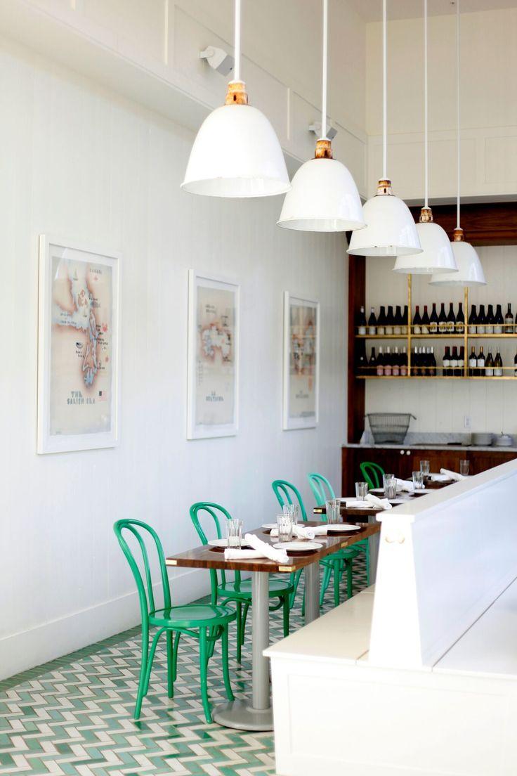 Bar Melusine, an amazing green flash decor