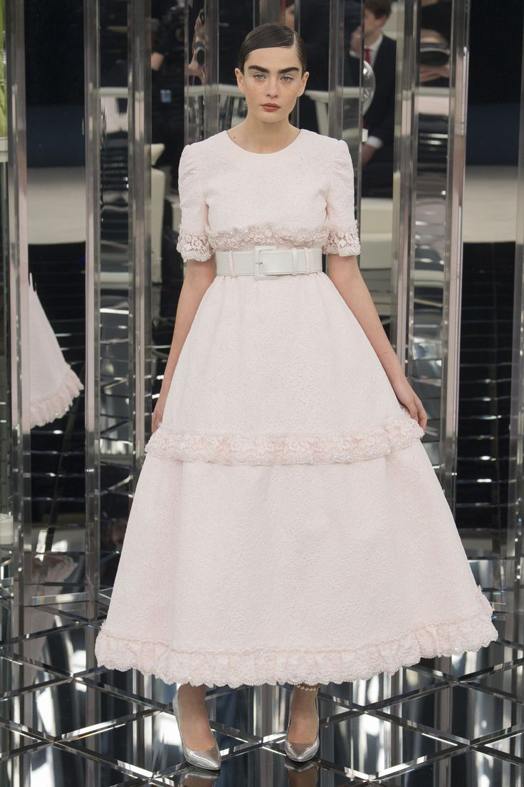 Chanel Spring 2017 Couture Collection Photos - Vogue
