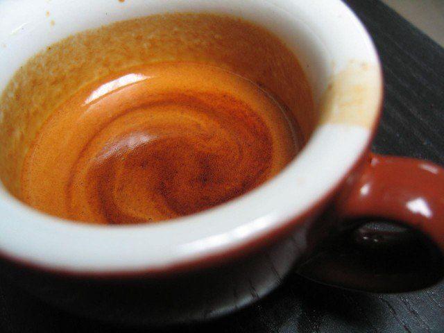Come degustare un caffè e capire se è buono