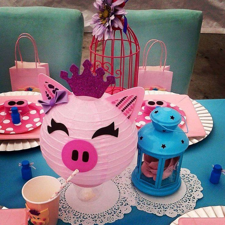 Little princess piggy birthday party! See more party ideas at CatchMyParty.com!