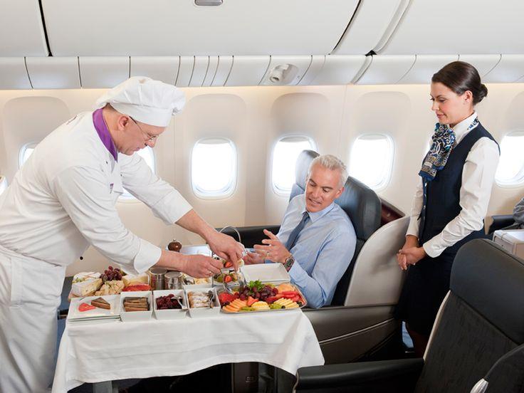 Los pasajeros de Business Class de Turkish Airlines reciben ideas de startups durante el vuelo. Vea como aquí (Inglés): http://www.fastcompany.com/3021454/fast-feed/turkish-airlines-is-letting-startups-pitch-to-business-class-passengers-during-fli