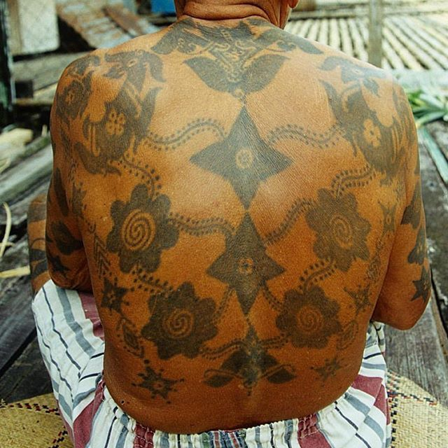 1000 ideas about borneo tattoos on pinterest iban tattoo irezumi and tattoos. Black Bedroom Furniture Sets. Home Design Ideas