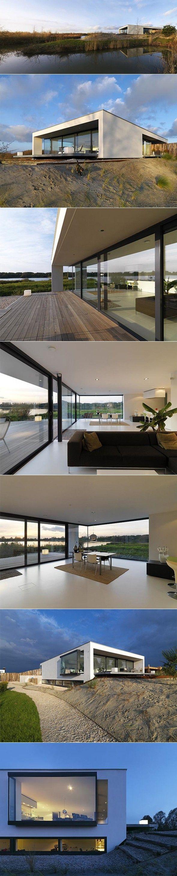 Formes simples - organisation salon - mur vitré en angle - sous sol - Résidence S par Grosfeld van der Velde Architecten - Journal du Design