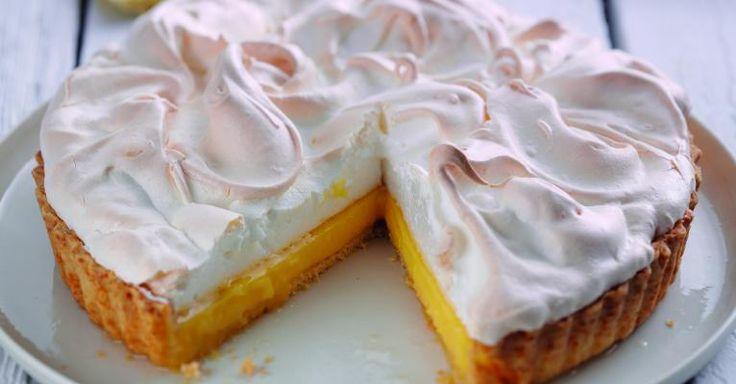 Deze citroen-meringue taart is harstikke makkelijk om te maken, zelfs de beginnende bakker kan hiermee uit de voeten!