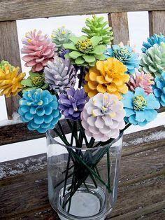 Tannenzapfen Blumen, Frühling. Bemalte Tannenzapfen auf 12-Zoll-Holzstielen. Ein Dutzend. Strauß, Mutter