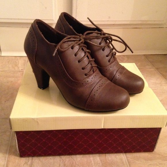 Brown oxford heels - LIKE NEW - worn once - true to size - about 2 inch heel - Shoes Heels