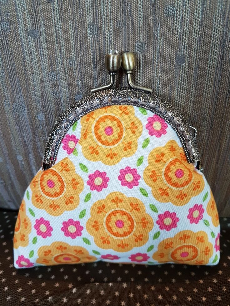 Lovely vintage-design purse, entirely handsewn with ❤