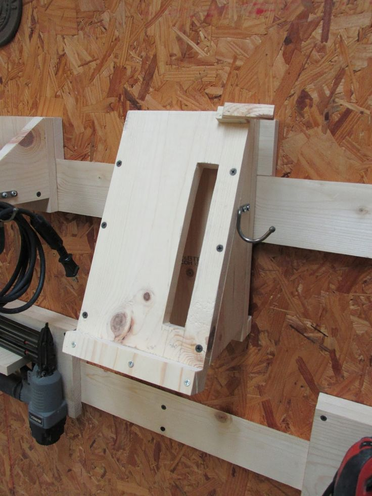 Wilker Do's: DIY Power Tool Storage System using French Cleats