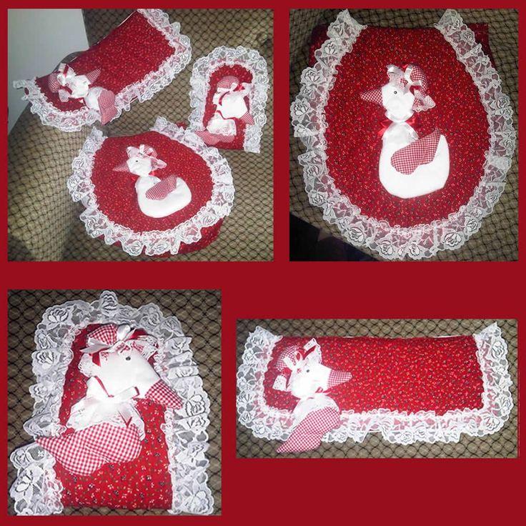 Conjunto decorativo para casa de banho (para a sanita, para o rolo de papel higiénico,.. ) na cor vermelha e modelo de pato