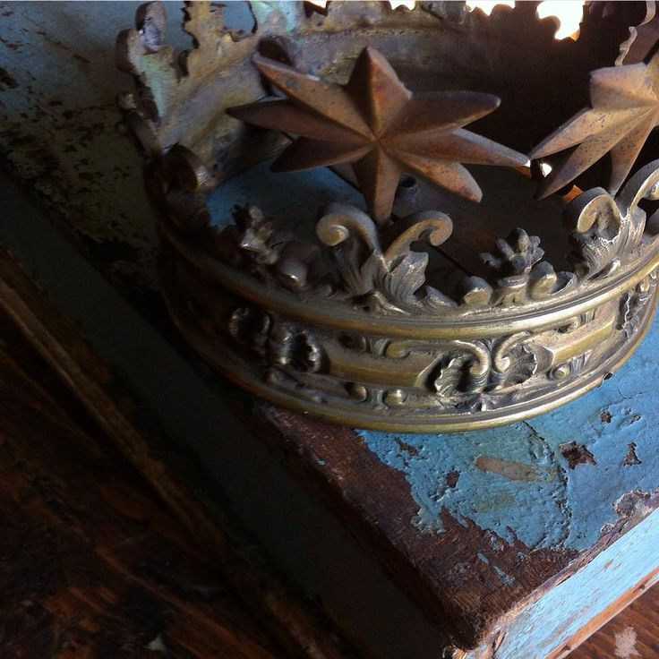 #crown #www.officinamobileroma.com