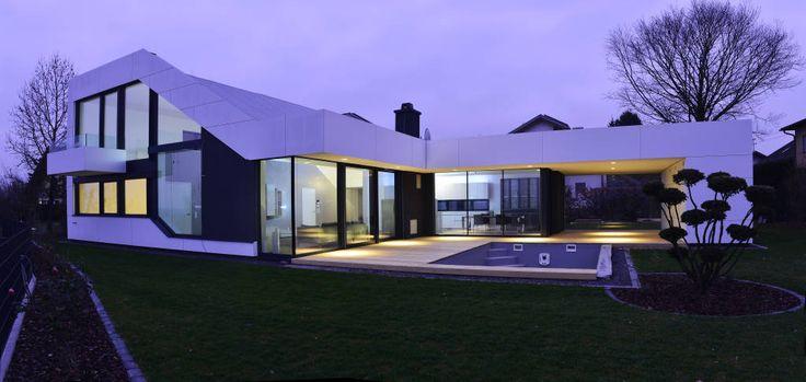 (От Architekt Adrian Tscherteu)