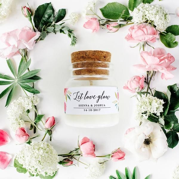These little handmade organic soy candles with personalised labels are luxurious wedding or bridal shower favours with style. Delivery across Australia.