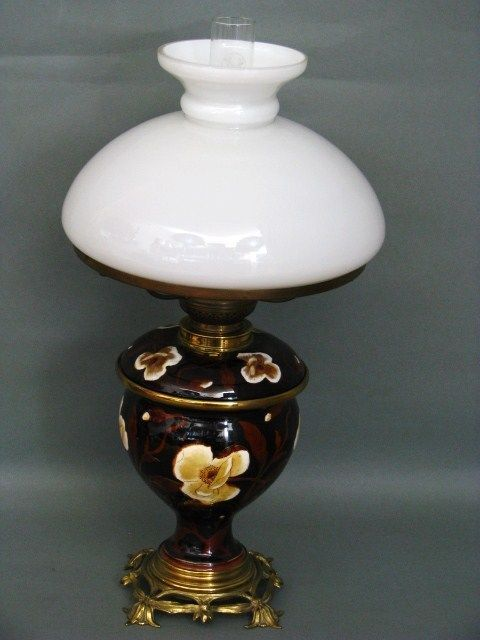 Fayence Keramik Petroleum Lampe mit Bronze Montierung um 1900