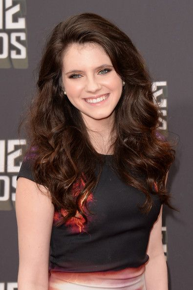 Kara Hayward Long Wavy Cut Kara hayward Natural waves - Cute Hairstyles For Natural Hair