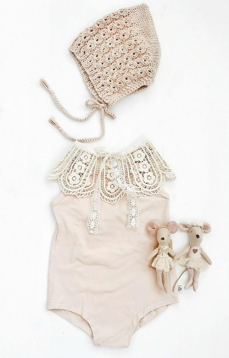 Handmade Lace Shoulder Capelet | ArrowandMuse on Etsy