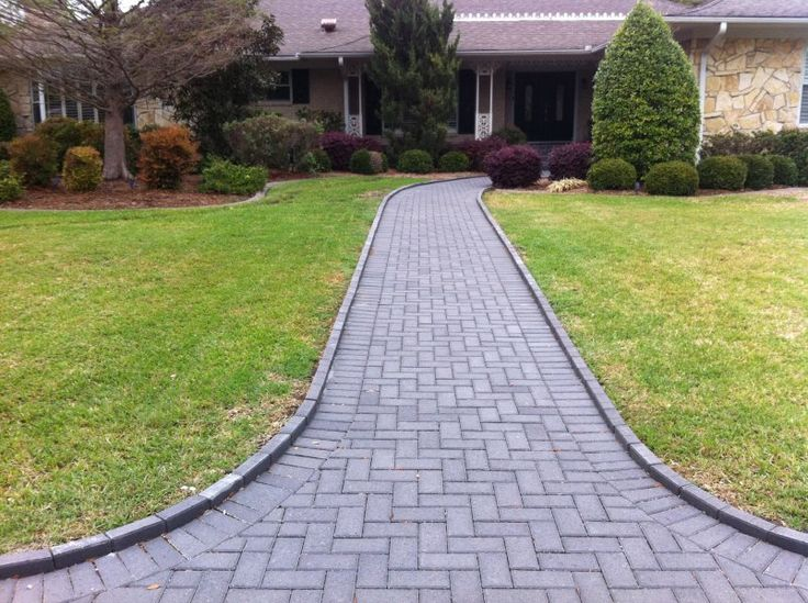 28 best images about front sidewalk on pinterest paver for Brick sidewalk edging