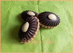 Sablés aux chocolats fourrés chocolat blanc, noisettes