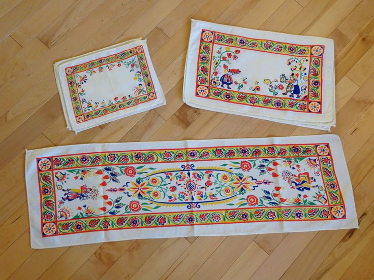 Scandinavian Table Runner with 4 Place Mats and Napkin Set   Swedish Style Table Lines Set   Dutch Style Table Linen Set by SimplyAgain on Etsy