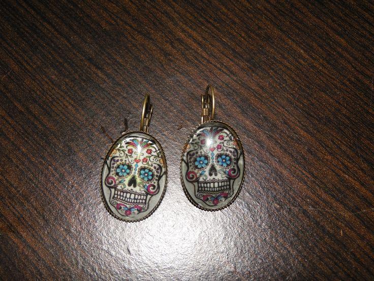 Boucles d'oreilles tête de mort ,faites par myself