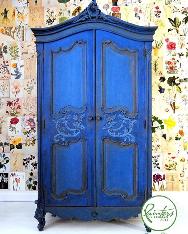 Knock out BLUE!! My colour confident #PainterInResidence @ildikoh67 Ildiko Horvath painted this classic French armoire in bright blue. The whole piece is Napoleonic Blue knocked back with a little French Linen. She blended the colours together while she worked, using a spray bottle filled with water to keep the paint wet and adding a little Aubusson Blue along the way. A mix of Honfleur and French Linen was painted into the recesses of the door panels. Ildiko then waxed and sanded to bring…