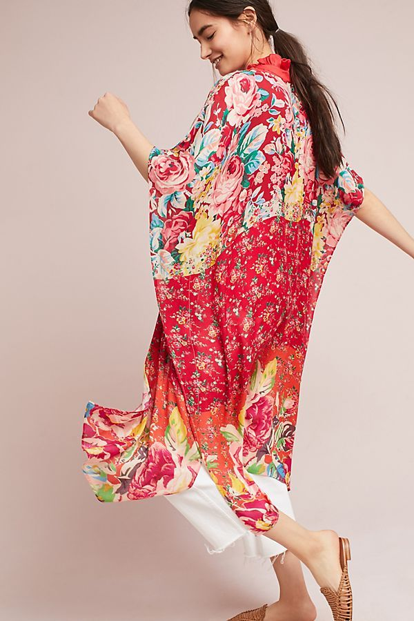 Alani Kimono. These continue to be a win, especially for travel. Wear a kimono with denim, a fitted dress, over your bathing suit or as loungewear. (affiliate)   Poplin Style Direction