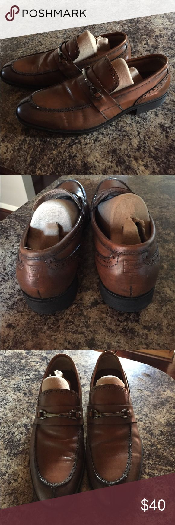 Men's Vince Camuto Brown Leather Bit Loafers Selling one pair of Men's Vince Camuto brown leather loafers. Size 9D, but run a bit small as I wear a 10 in my other loafers. Worn twice and in near new shape! Retail was 225$ Vince Camuto Shoes Loafers & Slip-Ons