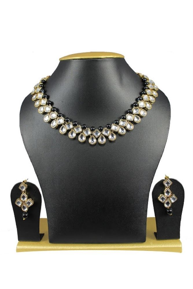 Elegant Black Pearls Indian Bollywood Kundan Wedding Wear Women Necklace Set #natural_gems15 #GoldPlated