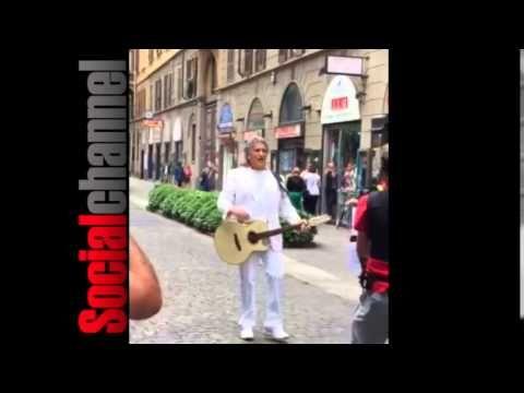 """(28) ESCLUSIVO, Toto Cutugno canta """"L'italiano"""" in cinese a Milano - VIDEO - YouTube"""