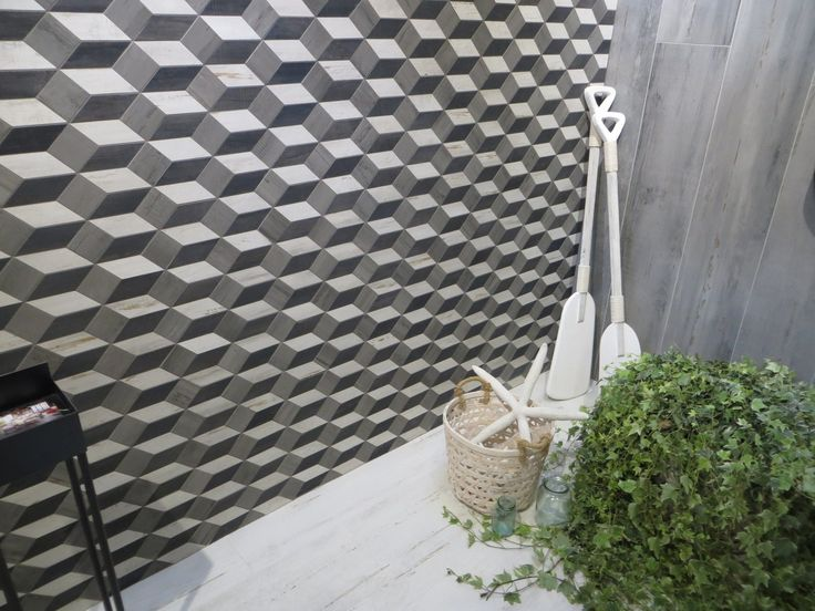 The effect of volume obtained through the combination of three tile shades (Pier Wood by Cisa Ceramiche)