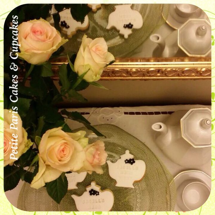 Our first order for 2015 - teapot cookies for Jacell's Hens Night - we love the teapot design, so simple yet so elegant. #teapot #teapotcookies #cookies #hensnight #henshightea #hightea #bridalshower #bridetobe #kitchentea #party #roses #vintage #rustic #grandmasteapot #goldtrim #gold #classic #elegant