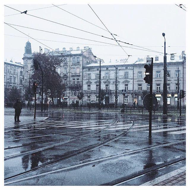 #workworkwork #snow #winter #autumn #polishgirl #instagood #instamood #instadaily #photo #photography #photooftheday #picoftheday #minimal #minimalism #minimalistic #krakow #city #bigcity #view #architecture #building #buildings #morning #weather #street #streeview