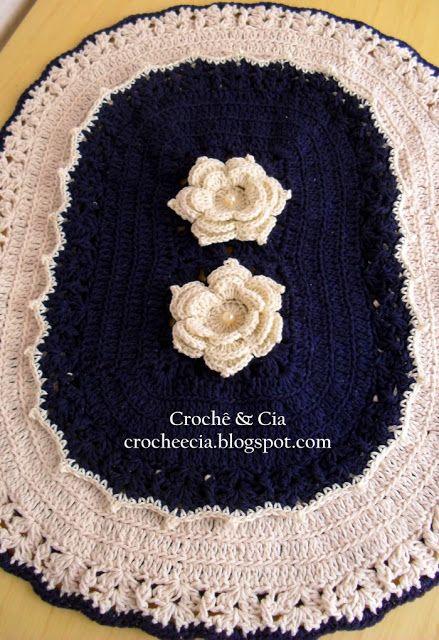 Croche e Cia: Jogo de banheiro cru e azul marinho