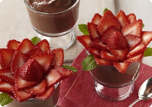 Strawberry Roses & Chocolate Pudding