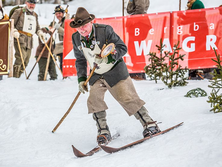 Watch racers on antiqe ski equipment on 11th March #wagrainkleinarl #wagrain #kleinarl