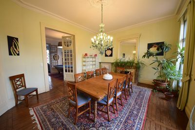Une des chambres d'hôtes à vendre en centre Bergerac en Dordogne