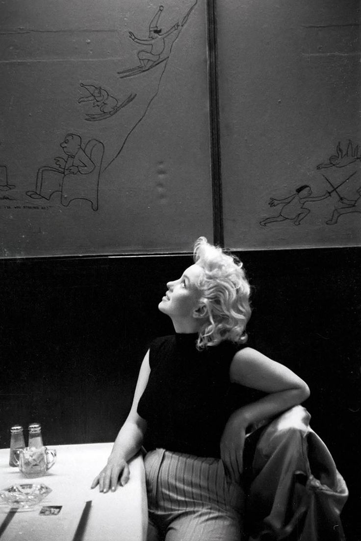 13 Rarely Seen Photos of Marilyn Monroe Monroe relaxes in a New York City restaurant, March 1955. - Esquire.com