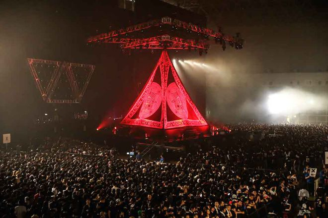 BABYMETAL - Ijime, Dame, Zettai (Report from World Tour 2015) (Makuhari Messe, Chiba 2015-06-21)