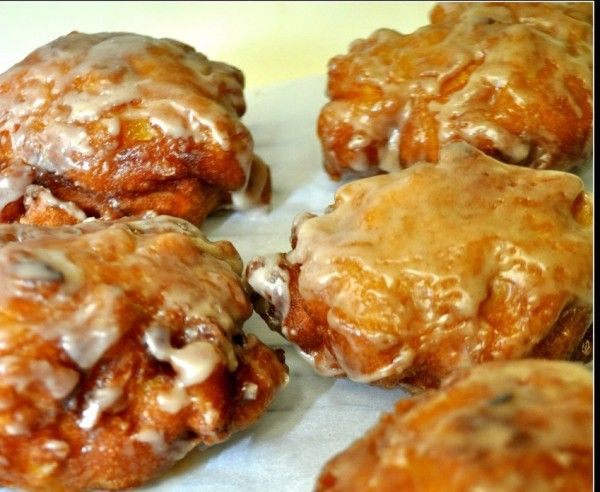 The Easiest And Best Amish Apple Fritter Recipe Ever - http://www.homesteadingfreedom.com/the-easiest-and-best-amish-apple-fritter-recipe-ever/