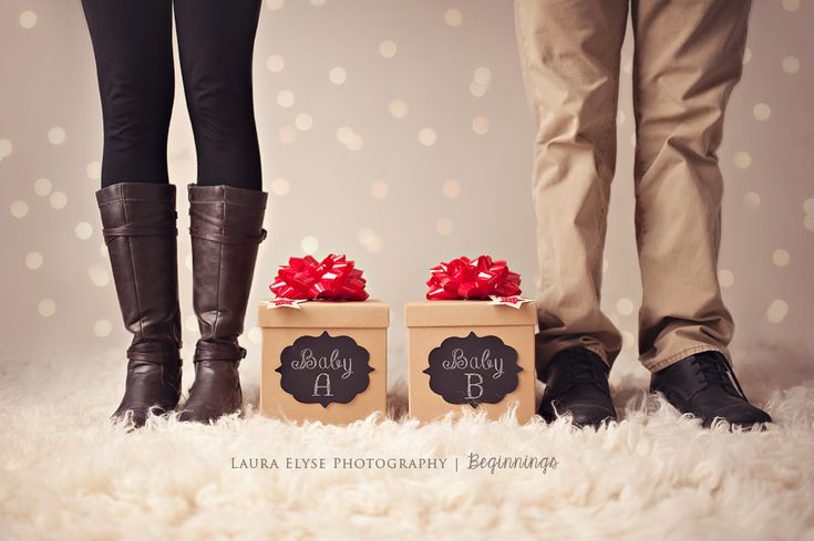 Pregnancy announcement | twins | christmas pregnancy | Laura Elyse Photography