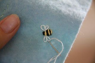 little Easter baskets with instructions for embroidering this bee
