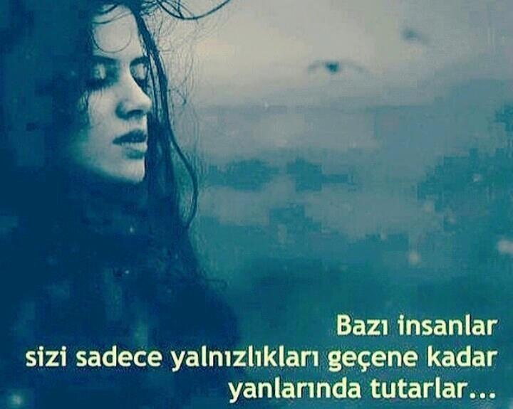 Bazı insanlar sizi sadece yalnızlıkları geçene kadar yanlarında tutarlar... #Yalnız #Adam #Aşk #Sözleri #Anlamlı #Sözleri