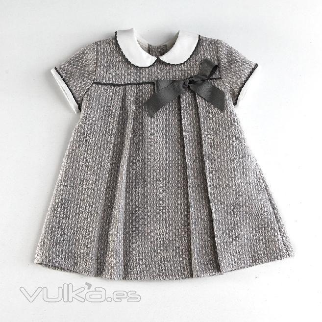 Foto: Vestido de niña. Vestido bebé para invierno.