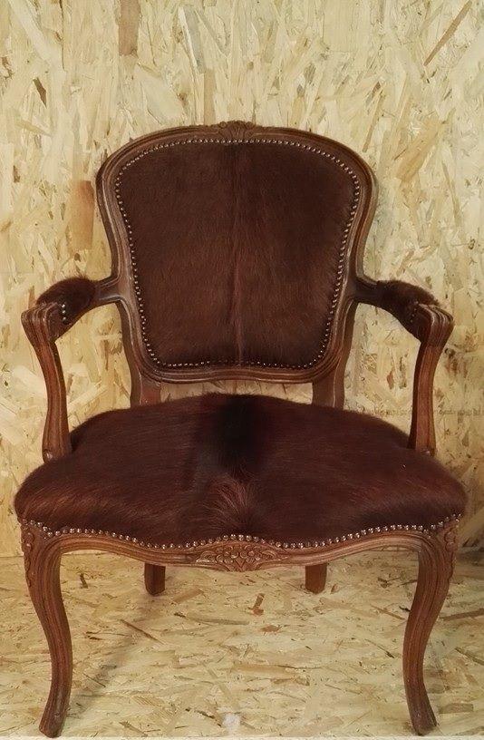 #tekoop #chairs #upholstery #koeienhuid #leer #klassiek Ophalen/Afleveren