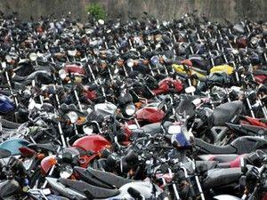 Detran-AM deve leiloar mais de 200 motos e 60 carros neste sábado +http://brml.co/1bJb2nK