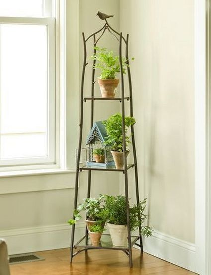 Ideas para decorar interiores con plantas wrought iron irons and ideas - Corner shelf for plants ...