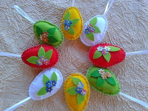 Akció! Filc húsvéti tojások színátmenetes textilvirágokkal, Dekoráció, Húsvéti apróságok, Ünnepi dekoráció, Dísz, Varrás, Meska