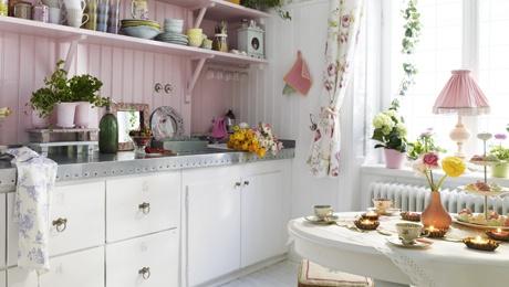 Romantic swedish country style kitchen / romantiskt torpdrömskök