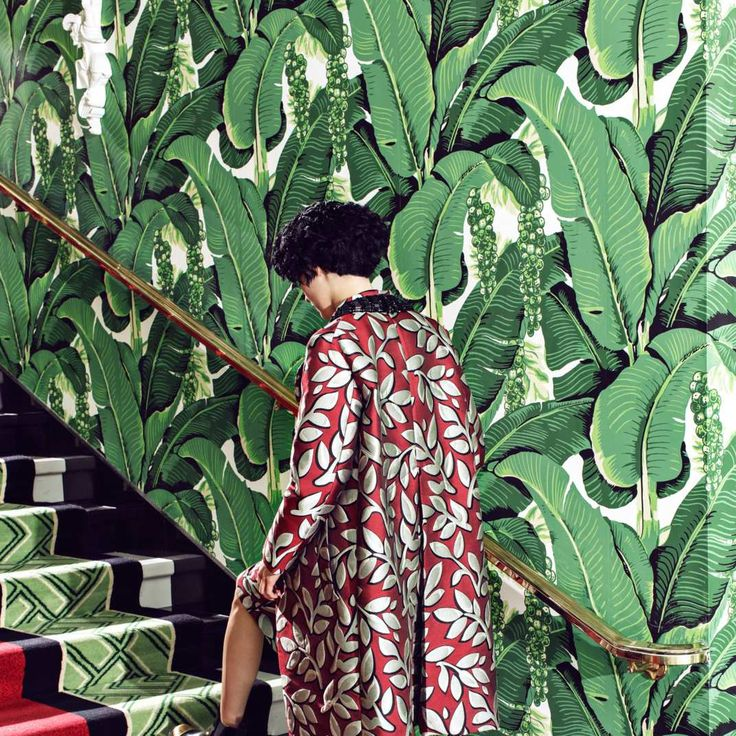 Dorothy Draper Brazilliance wallpaper at The Greenbrier