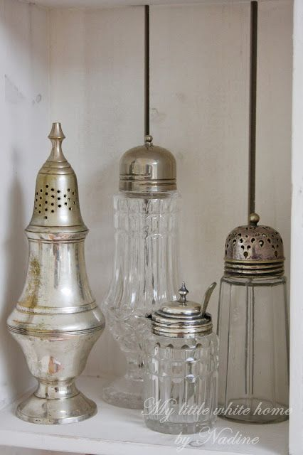 ♡ glass crystal and silver....love these little vignettes